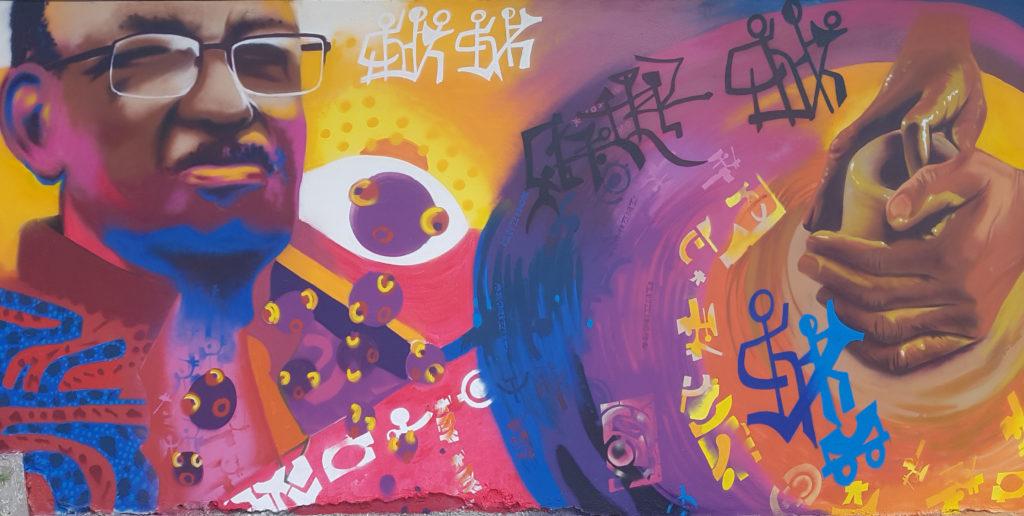 Fresque réalisée dans le cadre de la dénomination du lycée en 2017 par les élèves et du collectif Mada Paint.